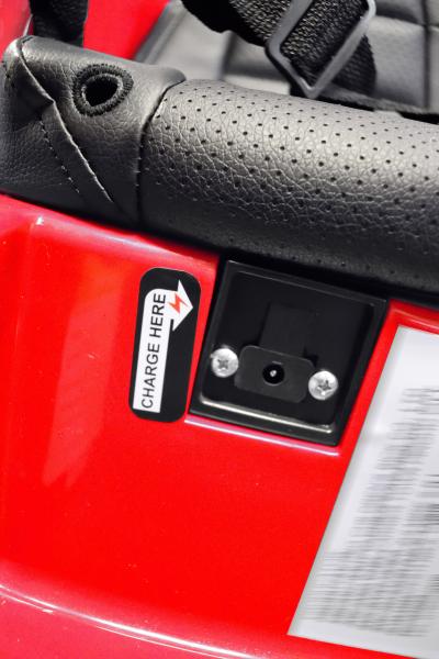 Masinuta electrica Premier Audi R8 Spyder, 12V, roti cauciuc EVA, scaun piele ecologica, rosie 13