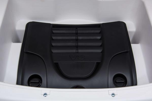 Masinuta electrica Premier Range Rover Vogue HSE, 12V, 2 locuri, roti cauciuc EVA, scaun piele ecologica, alb 27