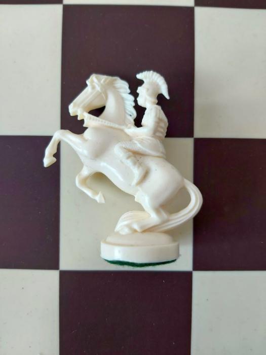 Cal alb rezerva pentru setul tematic din plastic Roma Antica 0