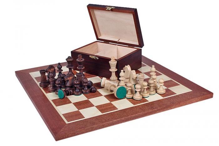 Piese lemn Staunton 4 in cutie  cu tabla nuc  nr. 4 0
