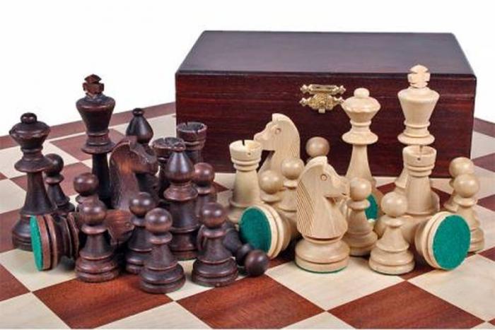 Piese lemn Staunton 5 in cutie  cu tabla mahon nr. 5 0