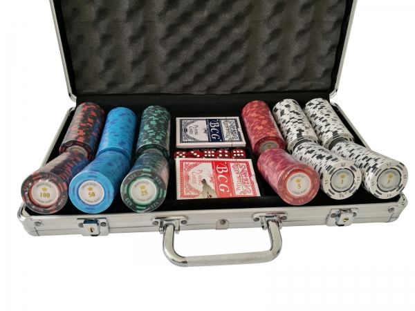Set poker cu 300 chips-uri clay 14g model MONTECARLO si servieta din aluminiu 0