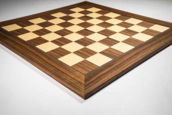 Tabla de sah nuc (walnut) DGT, 55mm 1