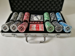 Set poker cu 300 chips-uri ABS 11,5g model ULTIMATE si servieta din aluminiu