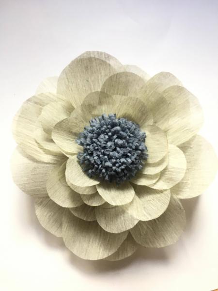 Floare uriasa, diametru 60 cm, gri deschis 1