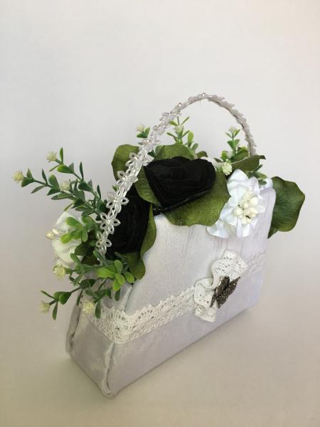 "Aranjament handmade  tip poseta ""black&white"", unicat 1"