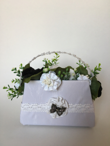 "Aranjament handmade  tip poseta ""black&white"", unicat"