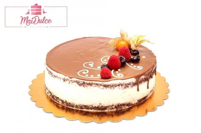 cheesecake copt cu mure si glazura de ciocolata 1