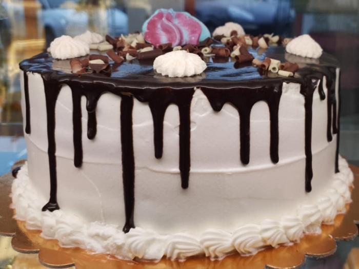 Tort cu glazura de ciocolata 2