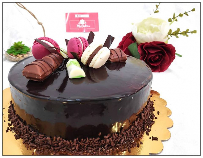 Tort glazurat cu ciocolata 0