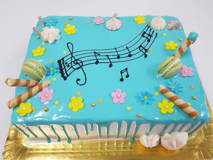 Tort cu glazura albastra 0