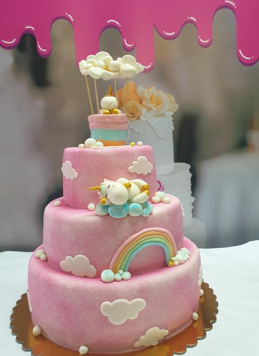 Tort botez baby unicorn roz curcubeu 0