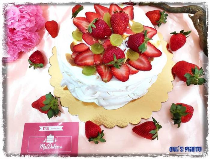 Tort Pavlova 3