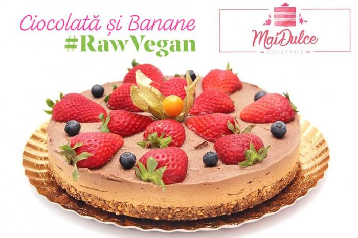 tort raw vegan cu ciocolata si banane 1