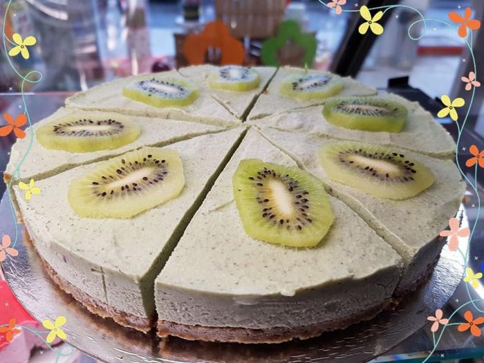 tort raw vegan cu kiwi 0