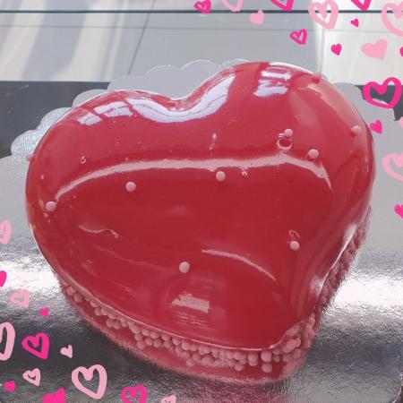 Tort inimioara rosie0