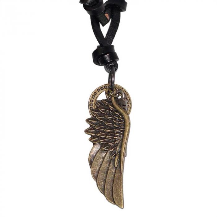 Medalion cu snur din piele  -  Angel Wing 0