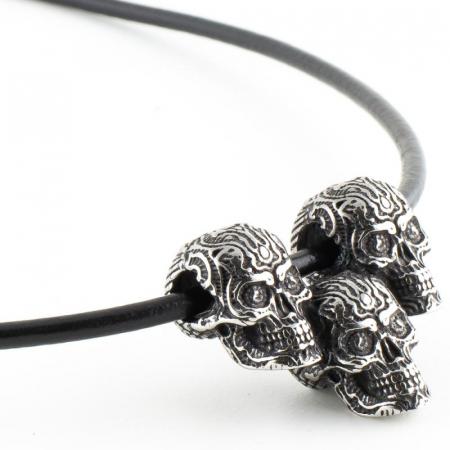 Medalion Stainless Steel - 3 Skulls cu snur [1]