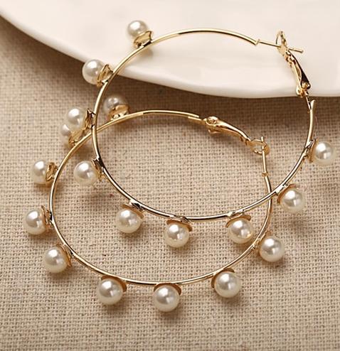 Cercei rotunzi cu perle - diametru 5 cm 1