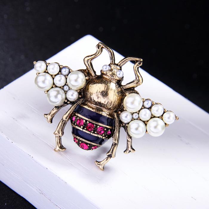 Brosa Albina cu perle 7