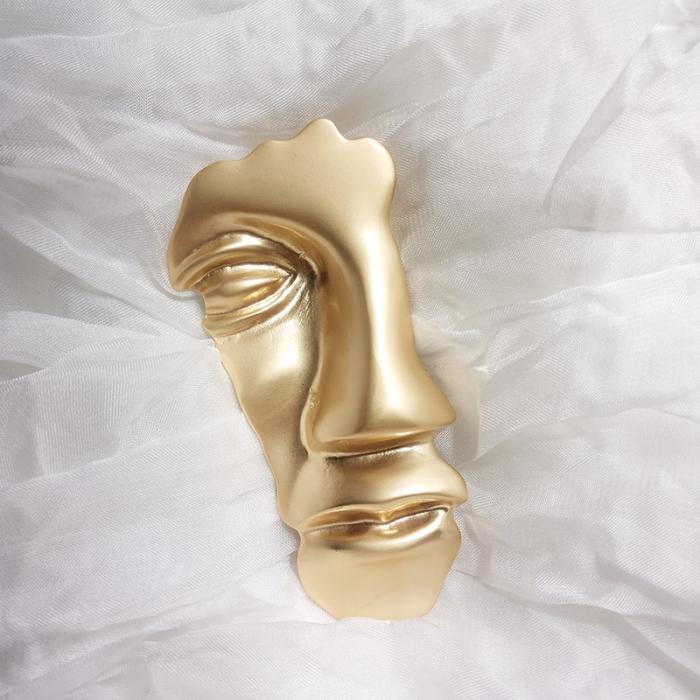Brosa Masca Aurie 6