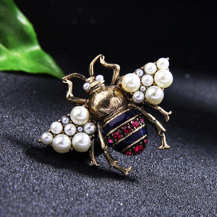 Brosa Albina cu perle 6