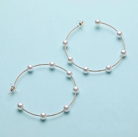 Cercei rotunzi cu perle - diametru 6 cm [0]