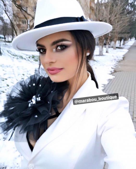 Palarie Alba Handmade cu bentita detasabila cu perle 16
