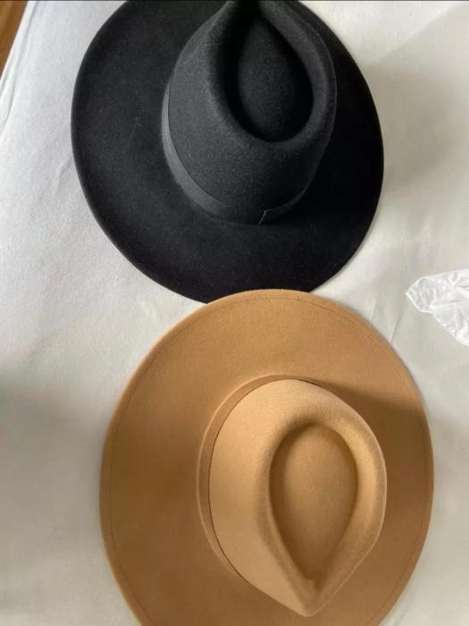 Palarie Unisex Neagra Handmade cu Bor Lat si bentita detasabila cu accesoriu la alegere 1