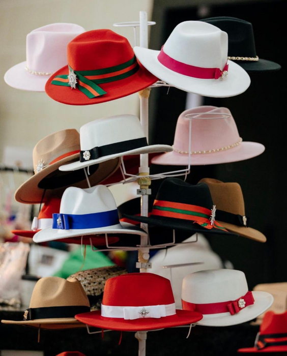Palarie Roz Handmade cu bentita detasabila si brosa la alegere [32]