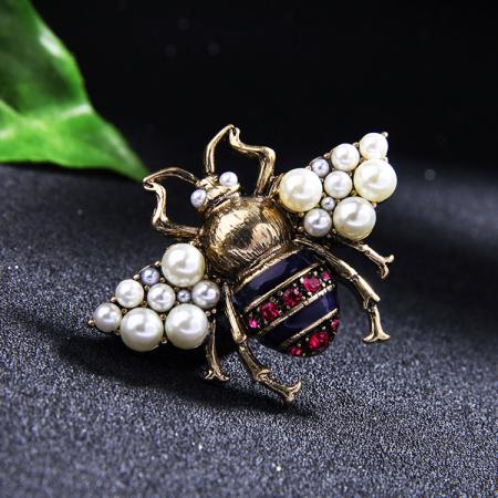Brosa Albina cu perle6