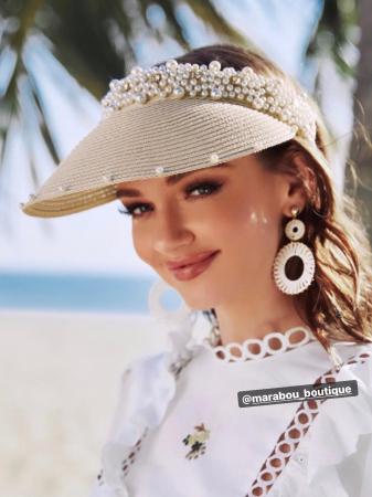 Cozoroc din rafie Bej cu perle pentru adulti sau copii2