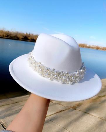 Palarie Alba Handmade cu bentita detasabila cu perle Luxury [0]