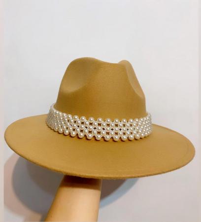 Palarie Bej Handmade cu bentita detasabila cu perle [0]