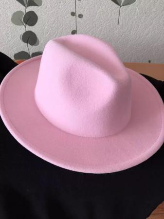 Palarie Roz Handmade cu bentita detasabila si brosa la alegere [15]