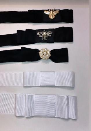 Palarie Unisex Neagra Handmade cu Bor Lat si bentita detasabila cu accesoriu la alegere24