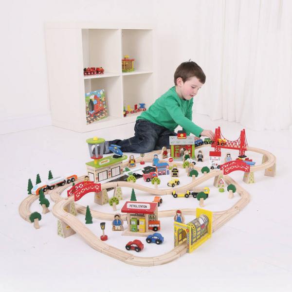 Circuit auto si  feroviar  (125 piese) 0