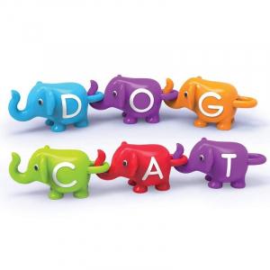Elefantei cu litere1