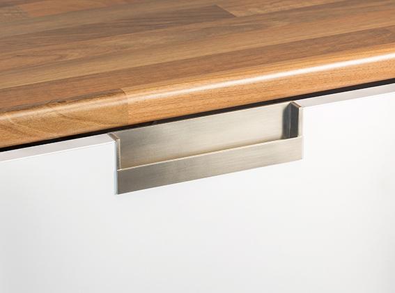 Maner pentru mobila Flat, finisaj nichel periat, L:174.8 mm [2]