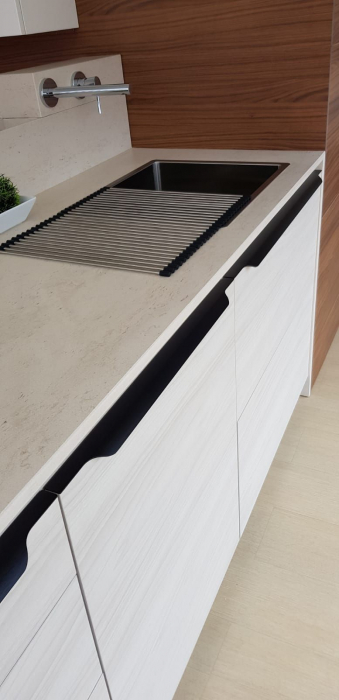 Maner pentru mobila Vector, finisaj negru periat, L:1197 mm [4]