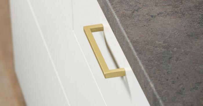 Maner pentru mobilier U, alama periata, L: 136,5 mm 0
