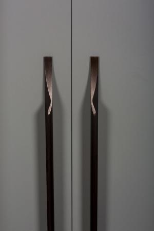 Maner pentru mobila Brikk, finisaj bronz antichizat, L:290 mm [0]