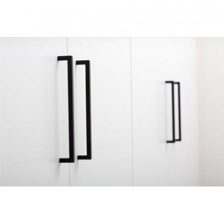 Maner pentru mobilier U, negru mat, L: 136,5 mm [0]