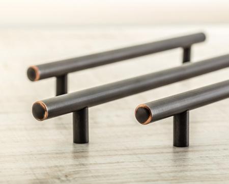 Maner vintage cilindric pentru mobilier RELING, finisaj cupru antichizat L:400 mm2
