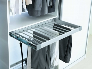 Suport de pantaloni extractibil  pentru corp de 800 mm latime1