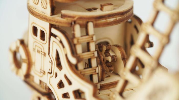 Dirijabil Zepelin - puzzle 3D din lemn 2