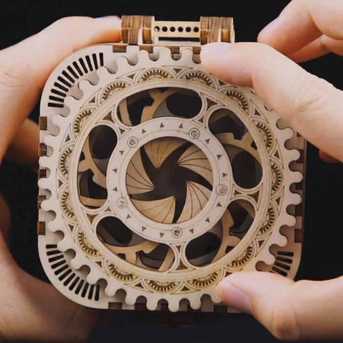 caseta de bijuterii puzzle mecanic 3D din lemn 2