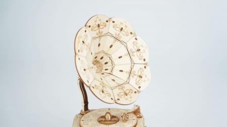 Gramofon - Puzzle 3D din lemn2