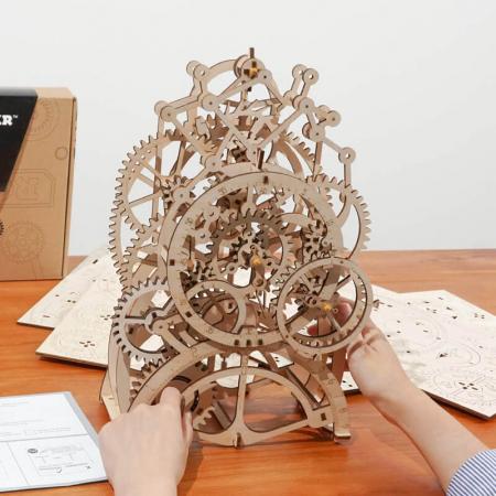 Ceas cu pendul - Puzzle mecanic 3D din lemn3