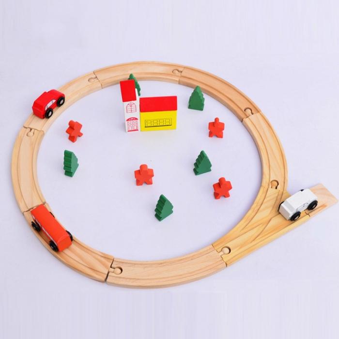 Circuit de jucarie din lemn, cu masinute 0